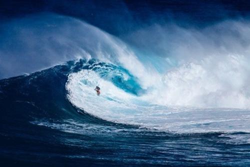 wysoka fala zagrożenie radość surfing